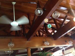 清里高原のチーズケーキファクトリーの天井